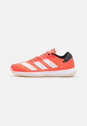 ADIZERO FASTCOURT 2.0  - Handbalschoenen - solar red/footwear white/core black
