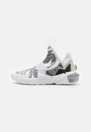 PROVOKE XT MID - Trainings-/Fitnessschuh - white/metallic silver