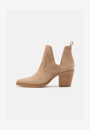 GRAYLEY - Ankle boots - tan