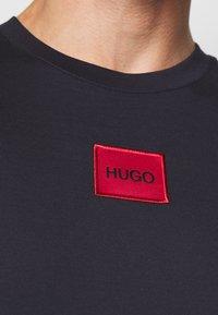 HUGO - DIRAGOLINO - T-shirts basic - dark blue - 5