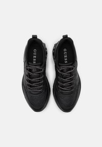 Guess - CLEAO - Trainers - black - 5