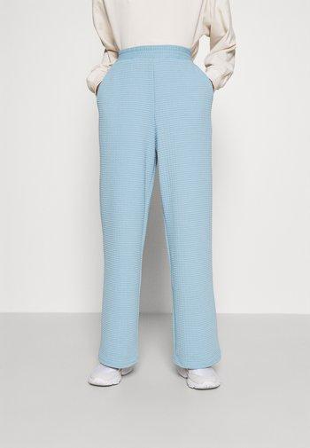 Trousers - blue light