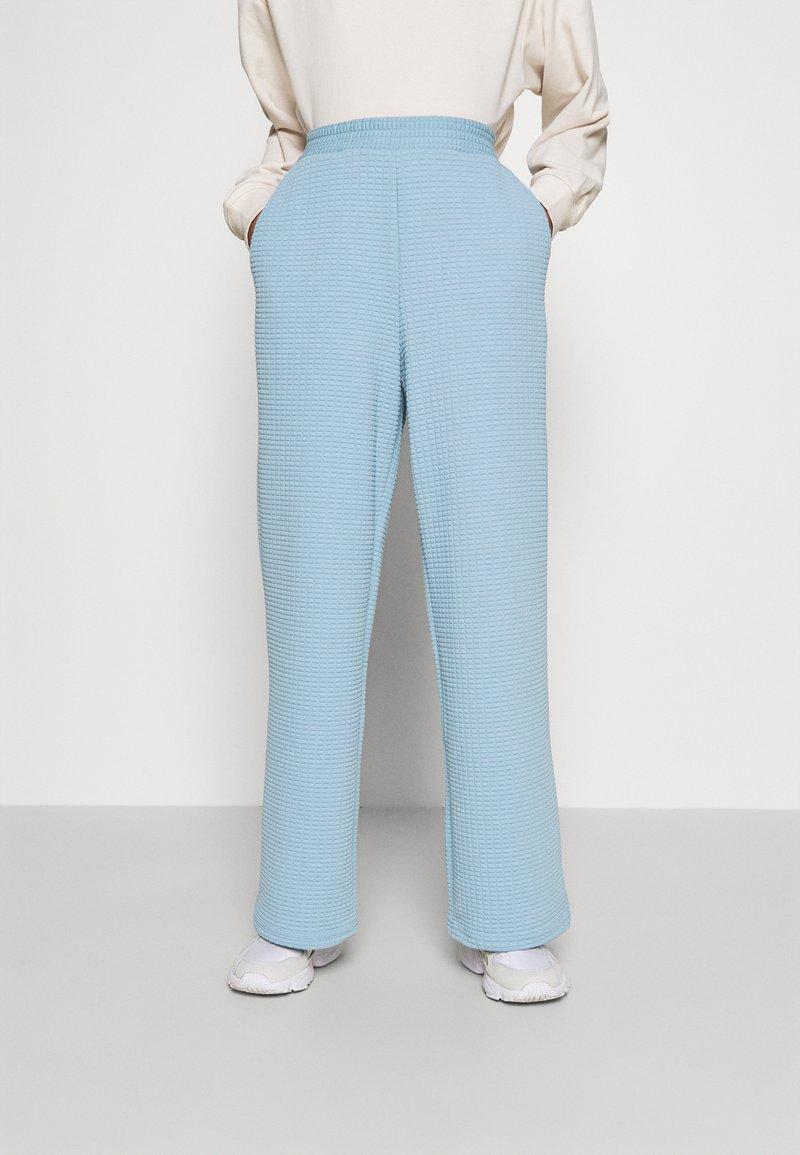 Monki - Trousers - blue light