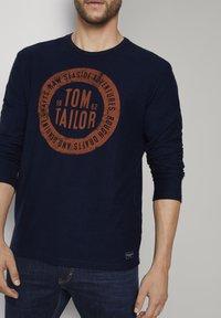 TOM TAILOR - MIT LOGO-PRINT - Long sleeved top - dark blue - 4