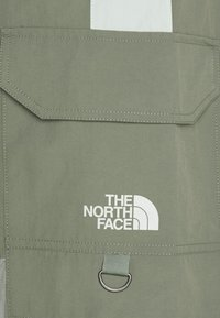 The North Face - STEEP TECH LIGHT PANT - Cargo trousers - agave green/wrought iron/green mist - 5