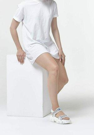 Sandali con plateau - white
