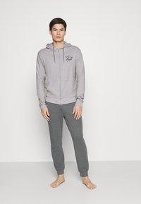 Tommy Hilfiger - HOODIE - Pyjama top - grey - 1