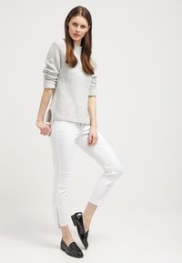 MAC Jeans - Dream Summer - Slim fit jeans - white - 1