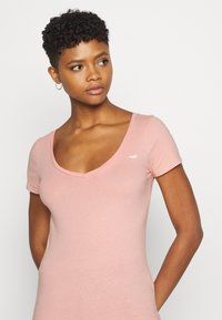 Hollister Co. - Print T-shirt - white/pastel green/mellow rose - 6