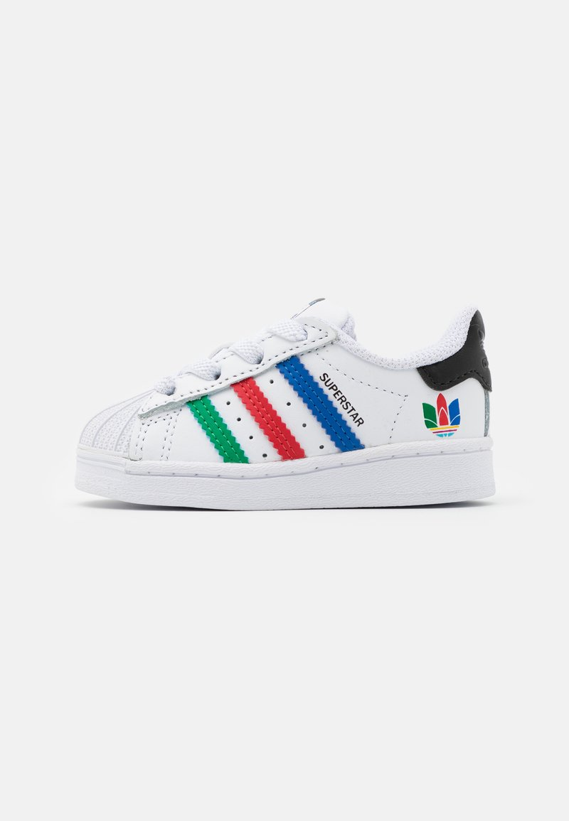 adidas Originals - SUPERSTAR SPORTS INSPIRED SHOES UNISEX - Baby shoes - footwear white/green/core black
