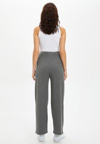 DeFacto - Tracksuit bottoms - grey - 2