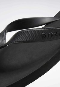 Reebok - CASH FLIP - Sandalias de dedo - black - 8