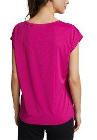 Esprit Sports - Basic T-shirt - berry red - 6