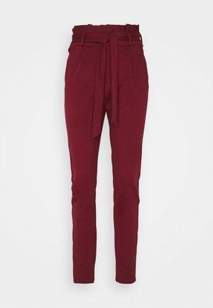 VMEVA PAPERBAG PANT - Pantalon classique - cabernet