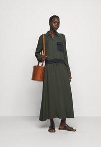 MAX&Co. - GLENDA - Skjortekjole - khaki green - 1