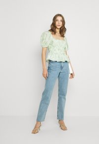 Forever New - RUCHED WAIST DETAIL BLOUSE - Pusero - evergreen paisley - 1