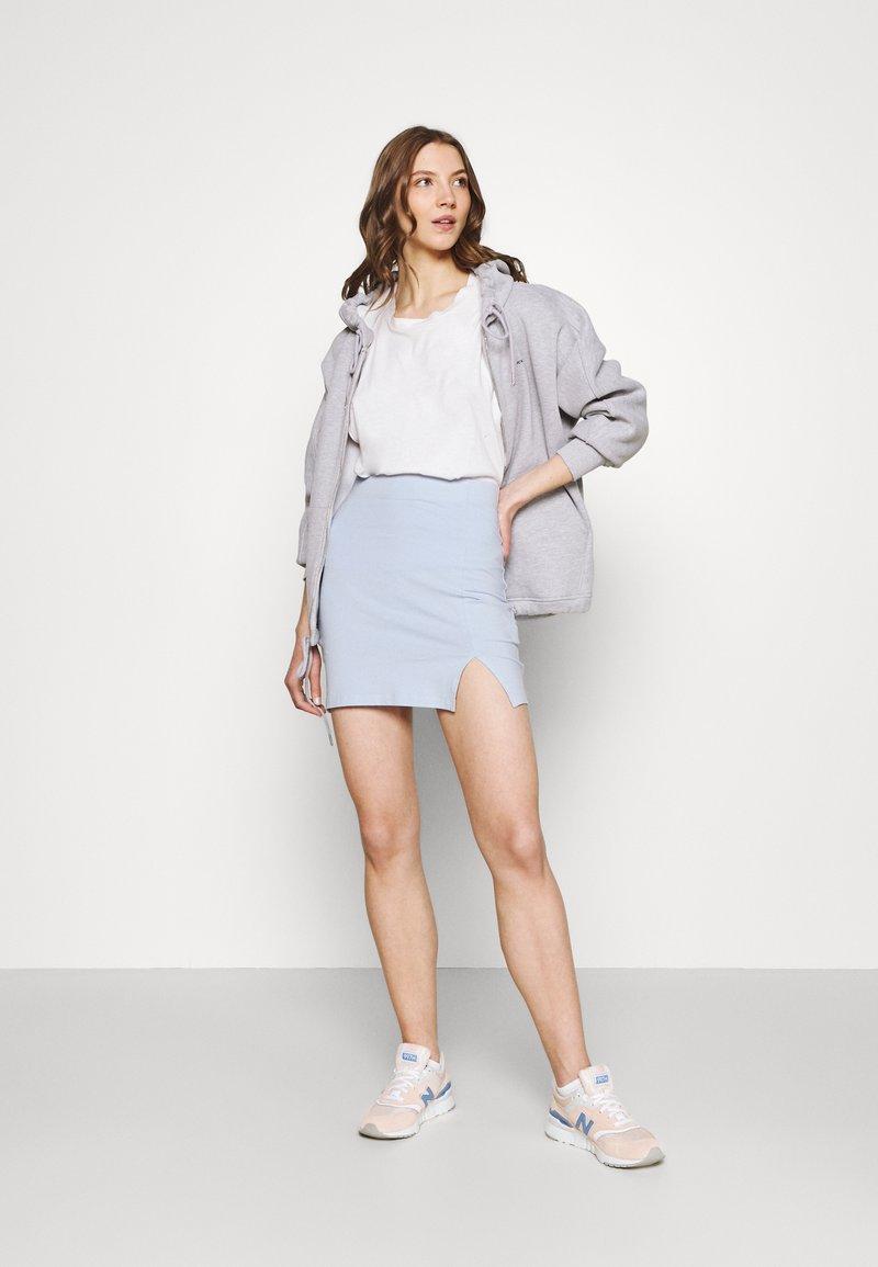 Even&Odd - 2er PACK - Mini skirts basic with slits - Pencil skirt - black/light blue