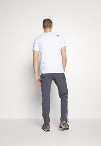 La Sportiva - RISE PANT - Kalhoty - carbon - 2