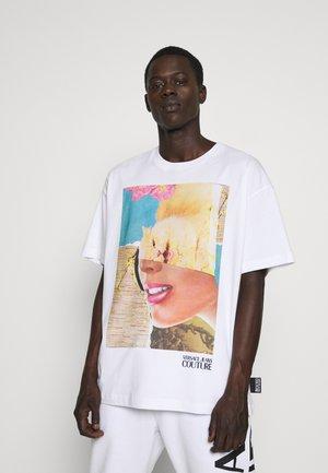 CAPSULE  - Print T-shirt - white
