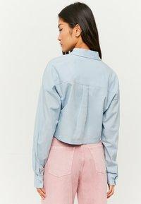 TALLY WEiJL - MIT KNÖPFE - Button-down blouse - blue - 2