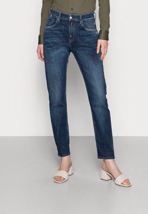 MARTY PANTS - Jeans baggy - medium blue