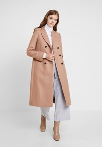 IVY & OAK - CLASSIC DOUBLE BREASTED COAT - Mantel - winter camel - 1