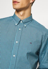 Tommy Hilfiger - MICRO CHECK SHIRT - Shirt - blue - 3