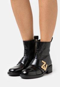 Zadig & Voltaire - EMPRESS - Classic ankle boots - noir - 0