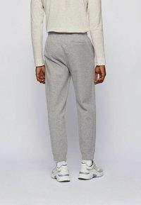 BOSS - Pantaloni sportivi - grey - 2