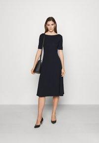 Lauren Ralph Lauren - MUNZIE ELBOW SLEEVE CASUAL DRESS - Jersey dress - navy - 1