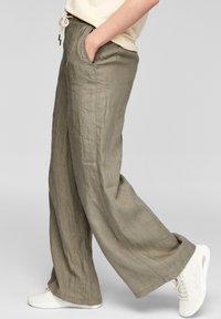 s.Oliver - Trousers - summer khaki melange - 3