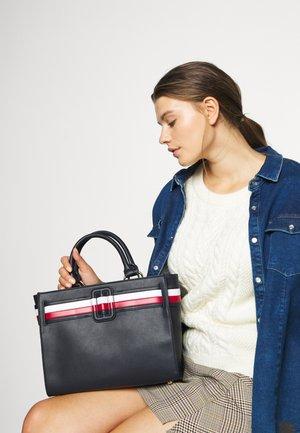 CHIC SATCHEL - Håndtasker - blue