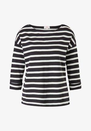 Long sleeved top - black stripes