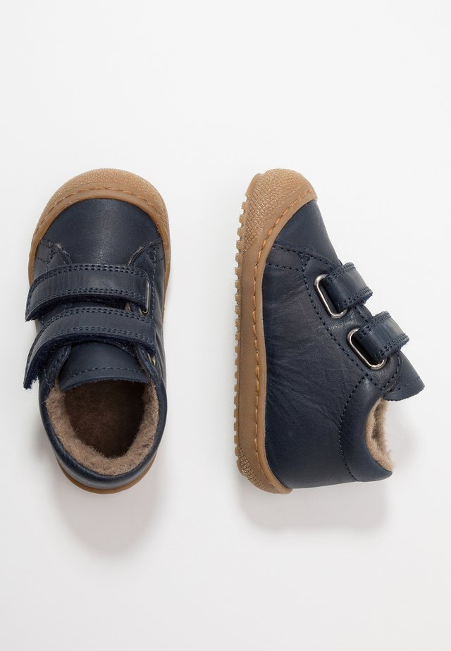 NATURINO RACOON - Baby shoes - blau
