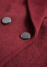 ORSAY - MIT BINDEGÜRTEL - Classic coat - weinrot - 4