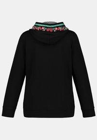 Ulla Popken - Zip-up hoodie - schwarz - 2