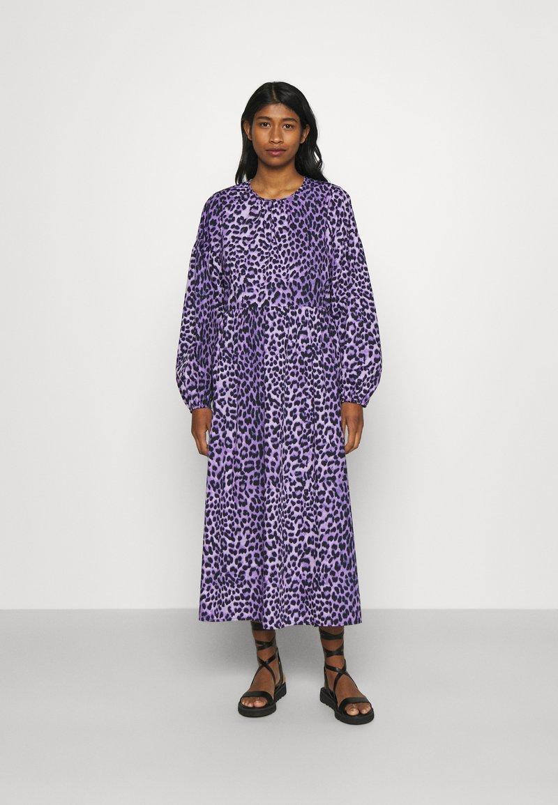 Envii - ENDAFFODIL DRESS  - Maxi dress - orchid