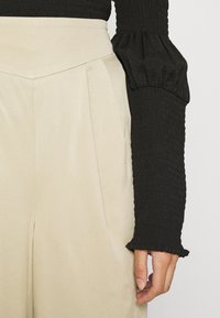 ALIGNE - DAPHNE - Trousers - sand - 6