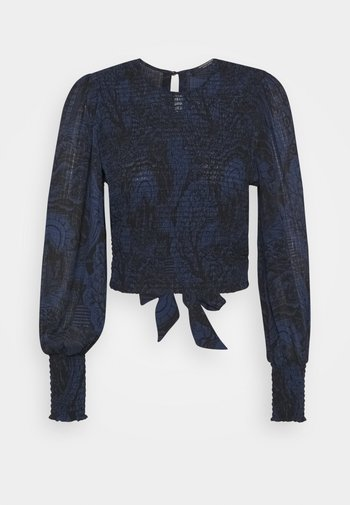 STORYTELLING FITTED TOP WITH SMOCKED DETAILING - Blouse - dark blue