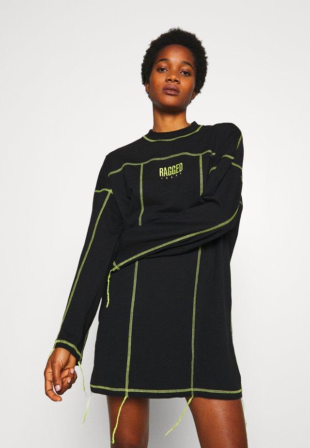 EXPOSED SEAM DRESS - Vapaa-ajan mekko - black/lime
