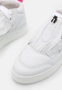 F_WD - Sneakers hoog - white - 6