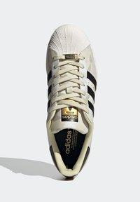 adidas Originals - SUPERSTAR SHOES - Baskets basses - white - 2