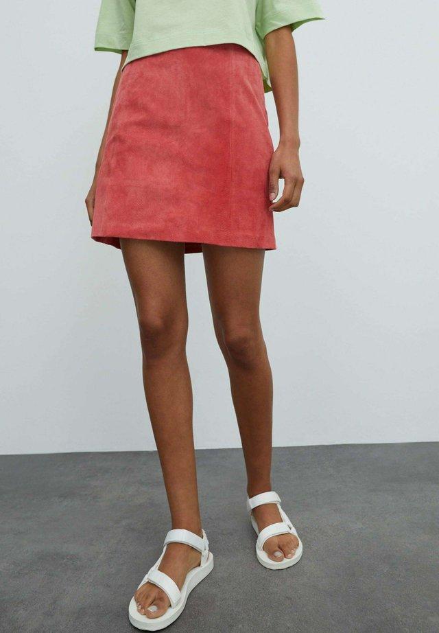 CELIA - Leather skirt - pink