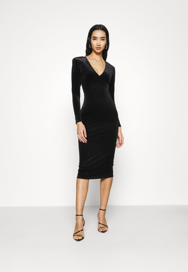 DEEP MIDI DRESS - Vestito di maglina - black