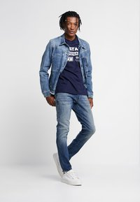 G-Star - 3301 SLIM - Jeansy Slim Fit - elto superstretch/vintage medium aged - 1