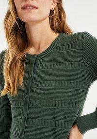 WE Fashion - Cardigan - army green - 4