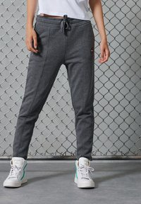 Superdry - COLLECTIVE - Tracksuit bottoms - mid grey marl - 1
