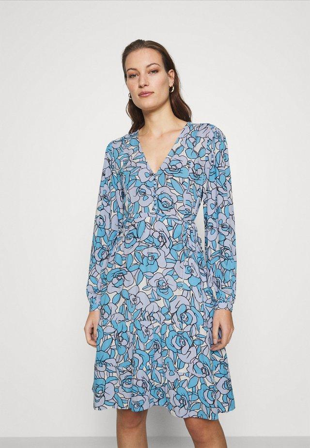 LOLA DRESS - Kjole - lavender/warm white