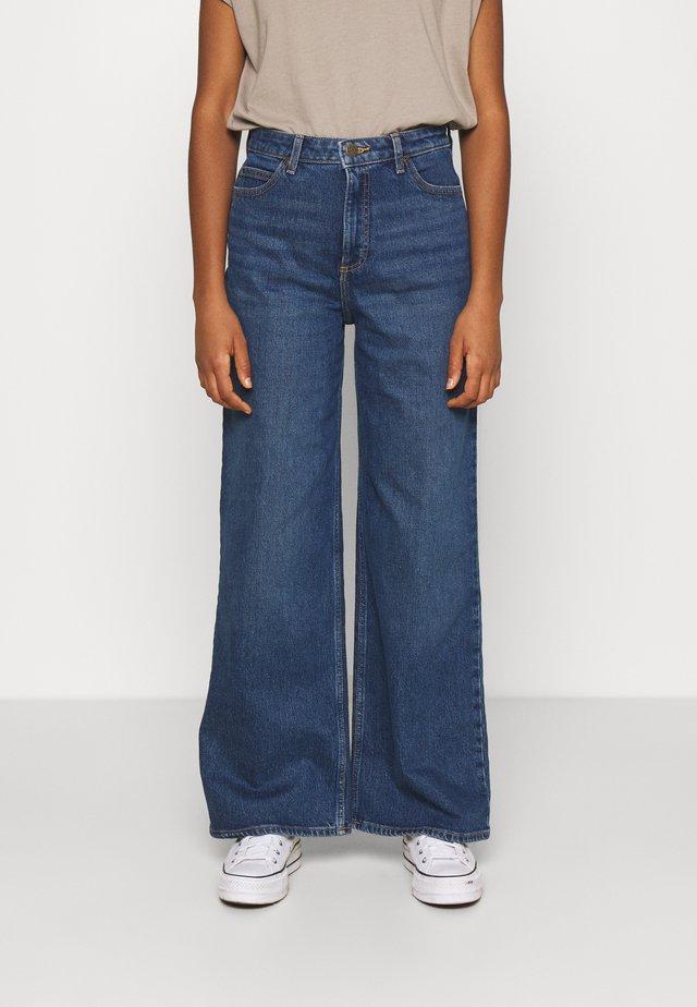 STELLA A LINE - Flared Jeans - dark buxton