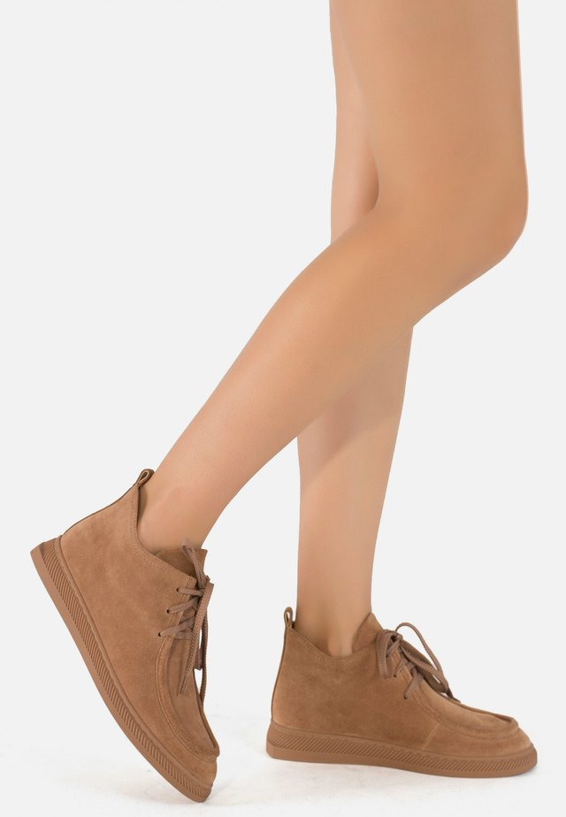 Lace-up ankle boots - caramel